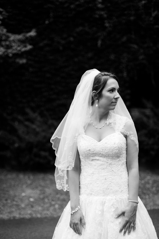 serious_bride