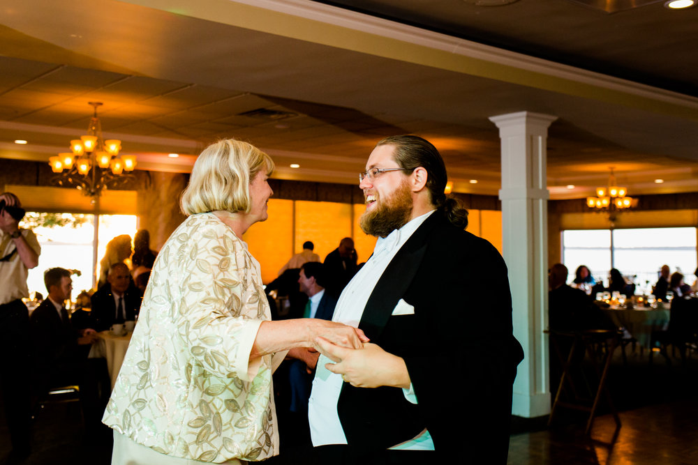 Lakeshore_Wedding_Syracuse_NY (50 of 57).jpg
