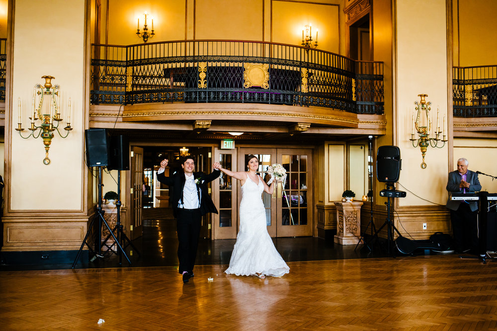 Marriott_Syracuse_Wedding_Calypso_Rae_Photography-96.jpg