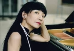 Pianist Satoko Inoue is renowned throughout Japan, Europe and the US as a leading interpreter of contemporary solo piano music. She has premiered works by some of Japan's foremost composers including Jo Kondo, Yoritsune Matsudaira, Satoshi Tanaka, Yuji Itoh. She is also known for performing works of other contemporary composers including Toru Takemitsu, John Cage, Morton Feldman, Henry Cowell, Giancinto Scelsi, Luciano Berio, and others. Besides her performing in Japan, Satoko Inoue has appeared at major European festivals including Darmstadt, the International Experimental Music Festival in Bourges, and at Japan Year (Germany). She has also worked with Luc Ferrari to record piano/percussion compositions for HatHut. Her most recent recording of Morton Feldman's For Bunita Marcus is available on the ALM label. Her performance at the Center for New Music will include Tennyson Songbooks by Jo Kondo, Melatan by Yugi Itoh, Litany II by Satoshi Tanaka, Three for Piano by Robert Coburn, and works by John Cage and others