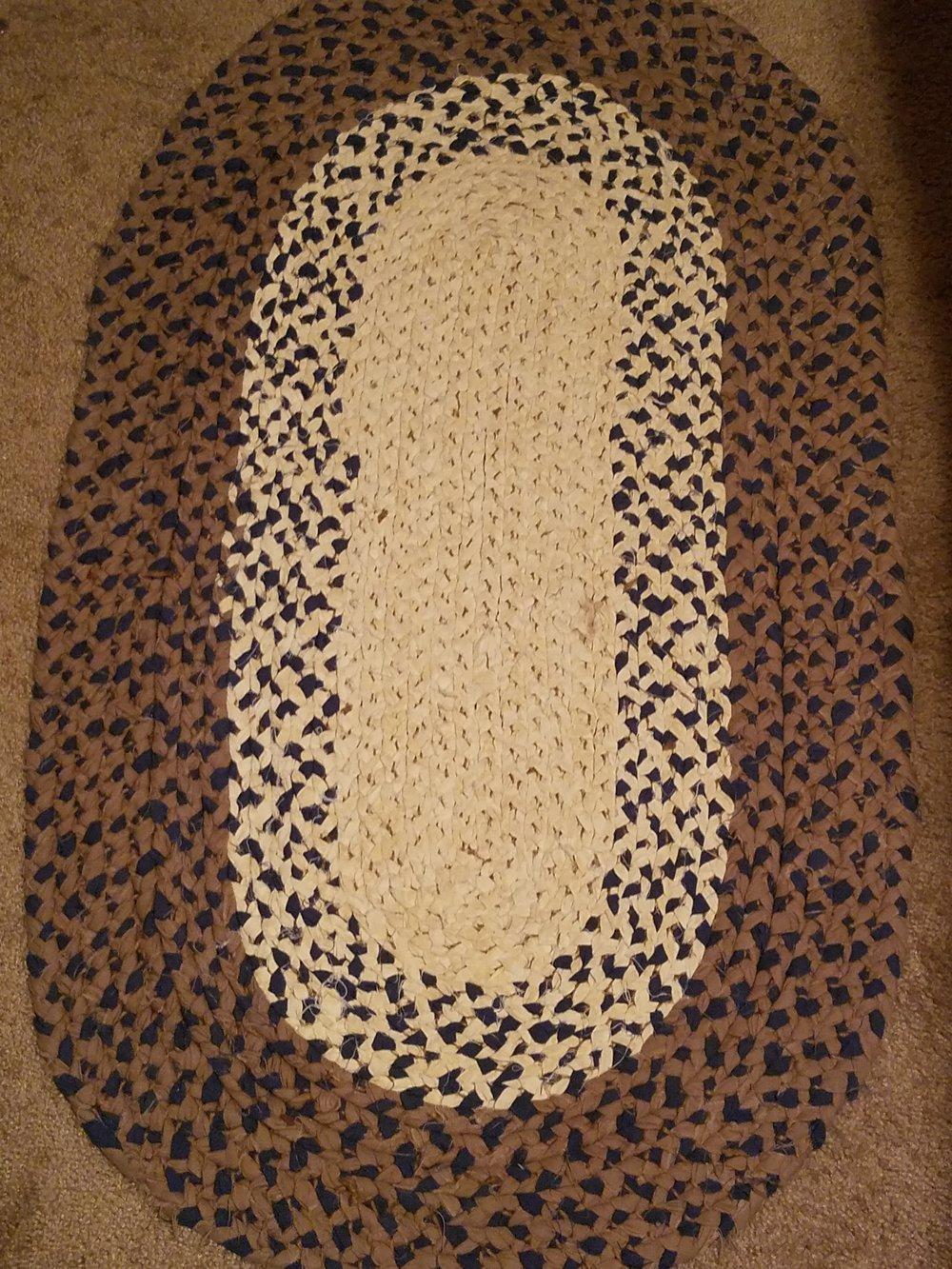 Braided Rugs: A Quick Tutorial || MLGardnerBooks.com