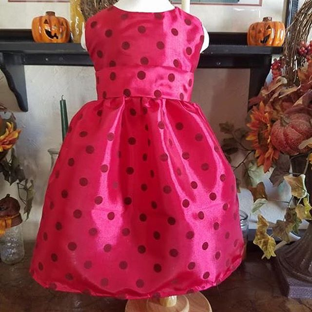 This morning's dress.2/3T.  I made a pattern to create a seamless shoulder and perfected the hemmed sleeveless. #sewingmaniac . . . #MLGardner #1929Series #1929 #dress #handmade #dressmaker #sewing #classic #sewing #author #writer #authorsofinstagram #writersofinstagram #littlegirlsdress #classicstyles #oldfashioned #mylife #makers #makersgonnamake #makersmovement #diy #sewinglife