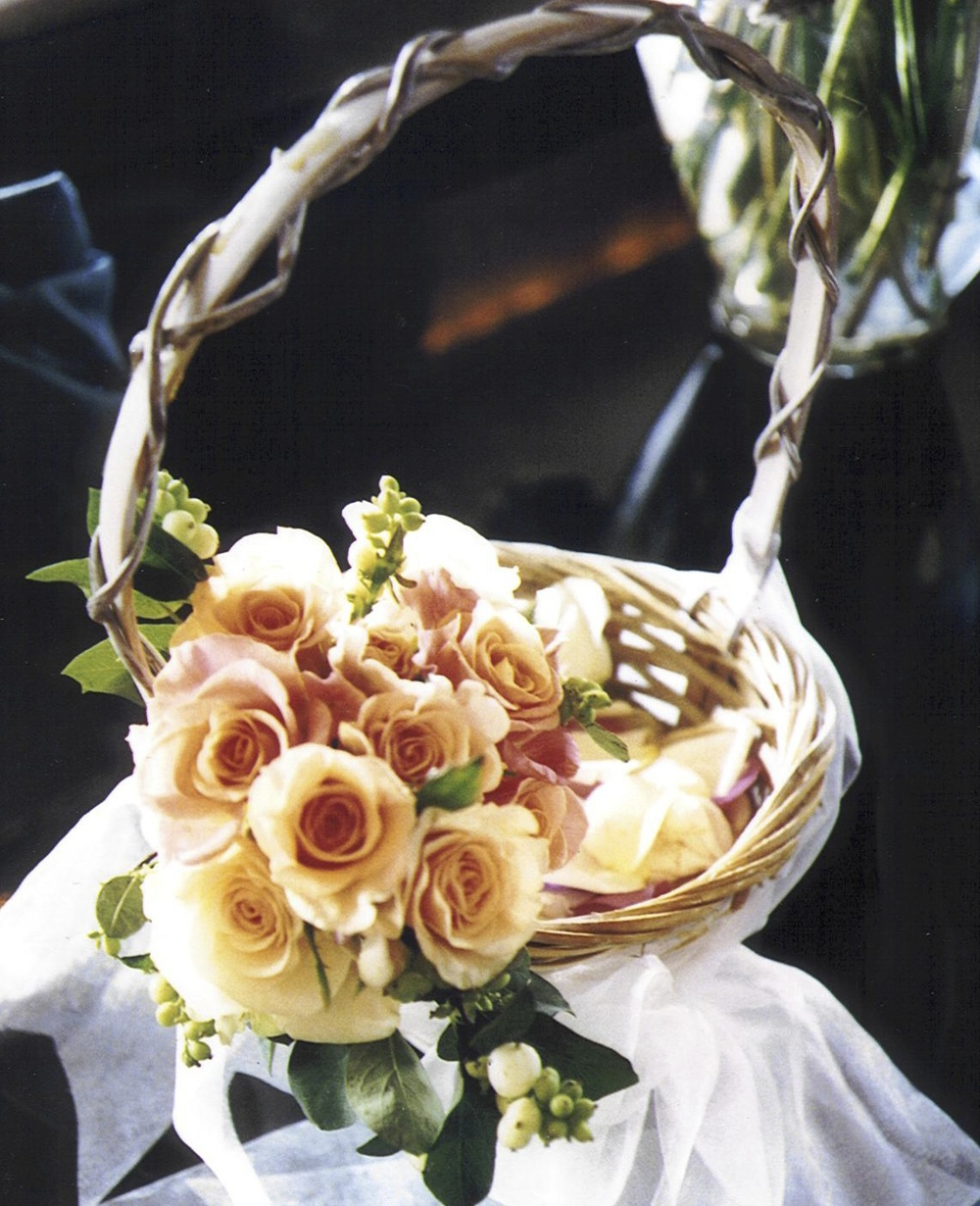 Bouquet - Peach in a Basket