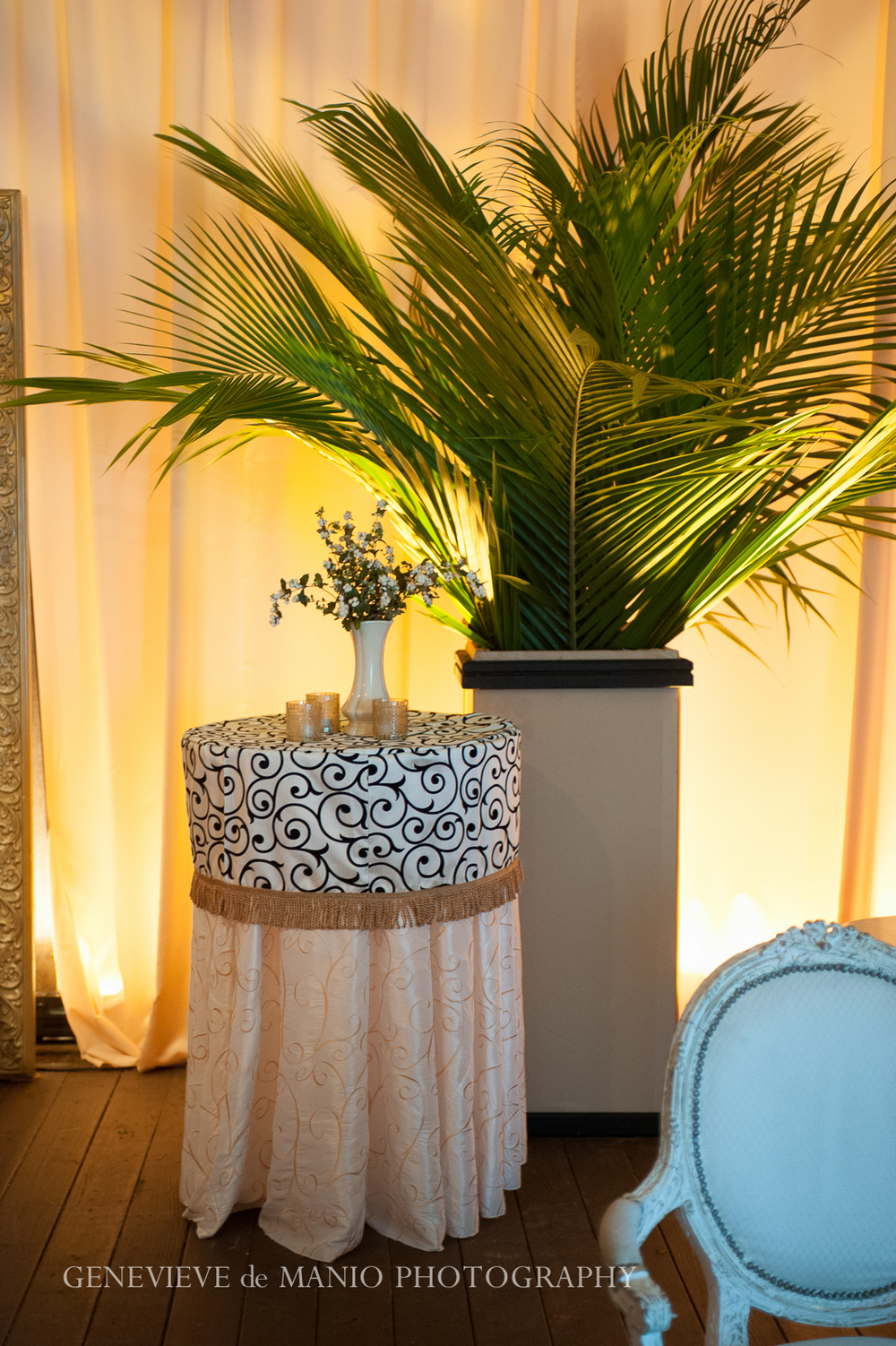 Palm Cocktail Area Decor