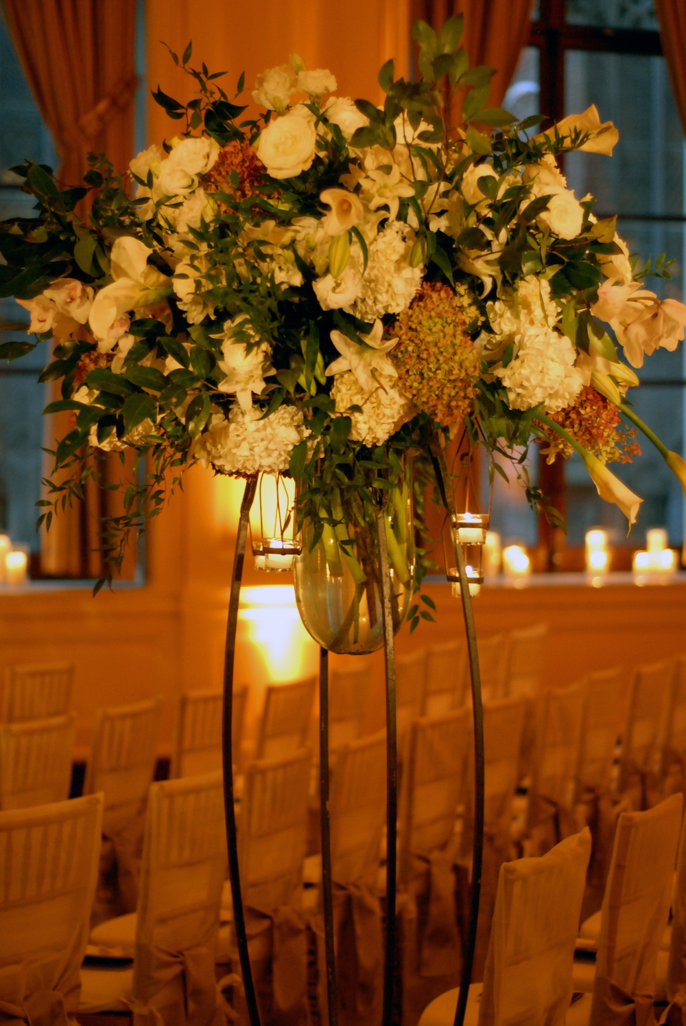 Back of Aisle Arrangement
