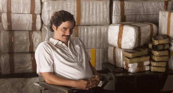 netflix's pablo escobar:  happy with a lot of cocaine