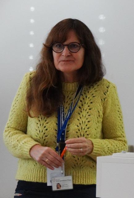 Claudia Schlegel.jpg