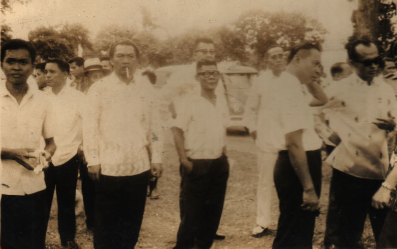 Venancio Bacon (center with glasses)