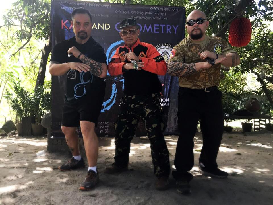 Tuhon Jesse (L), Grand Tuhon Leo Gaje (C), and Agalon Belton Lubas (R) of Pekriti Tirsia Kali