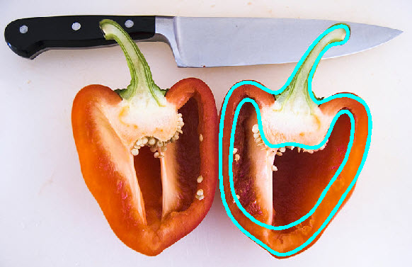 800px-Bell_pepper_cut_apart.jpg