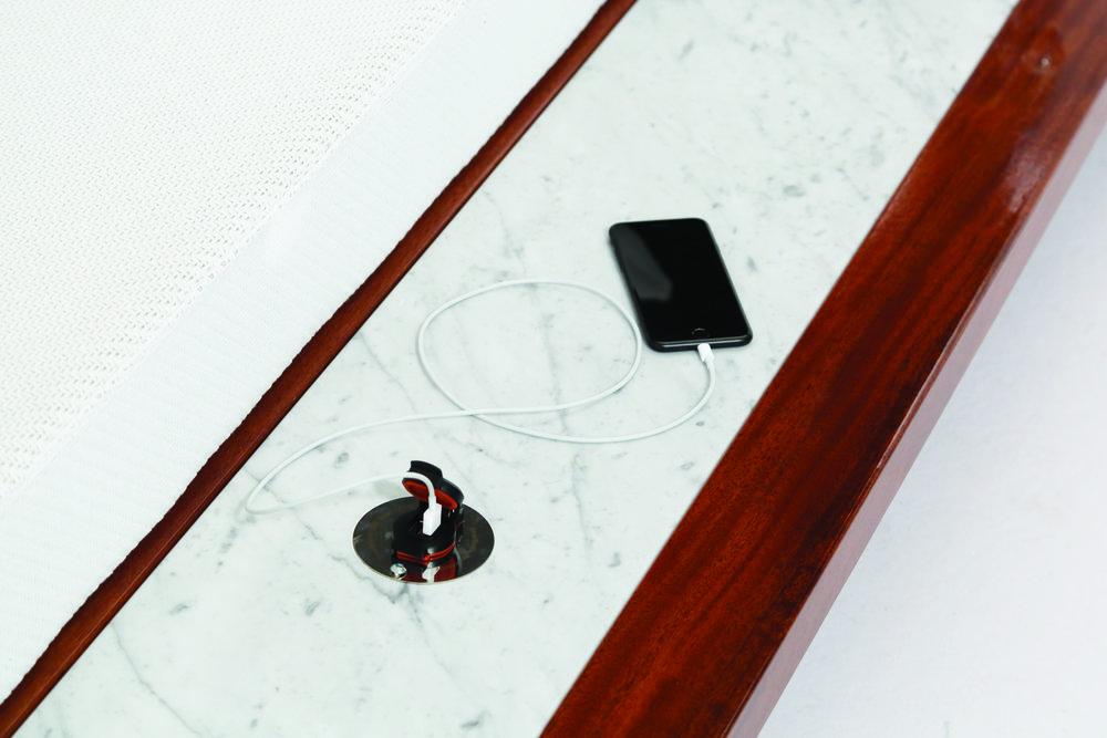 Belvedere Daybed Smartbrella Technology3.jpg
