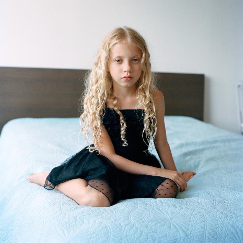 Simone, 9
