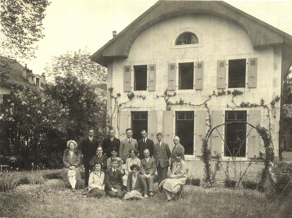 Erste Quàkerversammlung, 1928