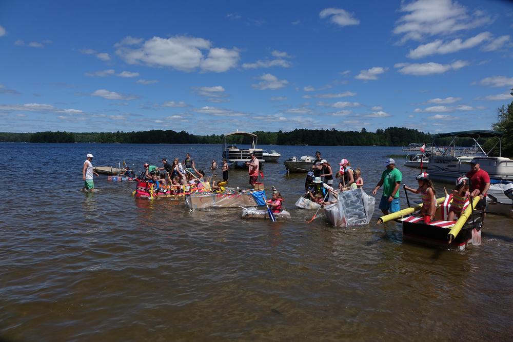 Build-a-Boat race start
