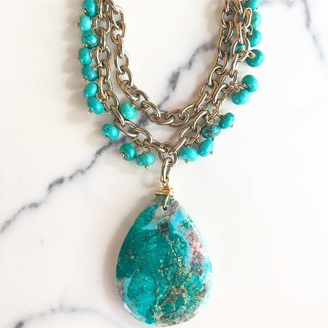 {bali drop} statement is now available online on our Etsy shop! #etsylove #statementnecklace #colorobsessed #colourpop #howlite #ocean #resortready #beachclub #statementjewelry #veryvalero #gemstones #love #instagood #instastatement #handcrafted #shoplocal #etsysellersofinstagram #etsyjewelry @double_prubble @😍