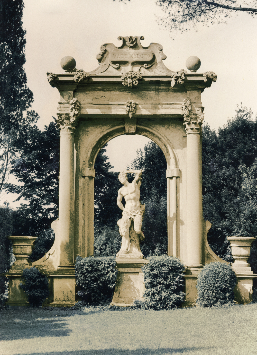 Piatra statue.jpg