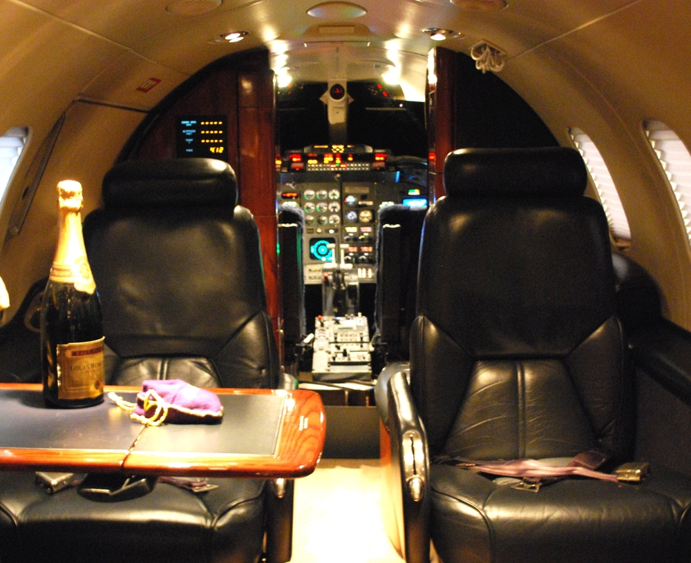 Learjet 31A interior 2.jpg
