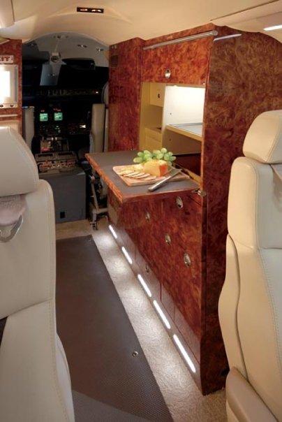 lear40_interior5.jpg