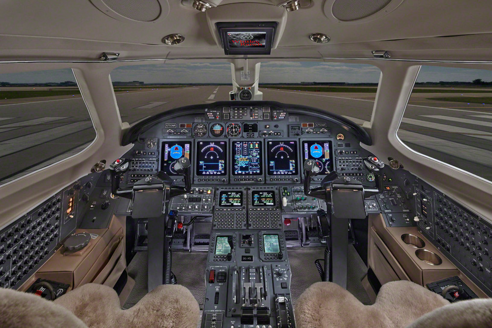citation_cockpit.jpg