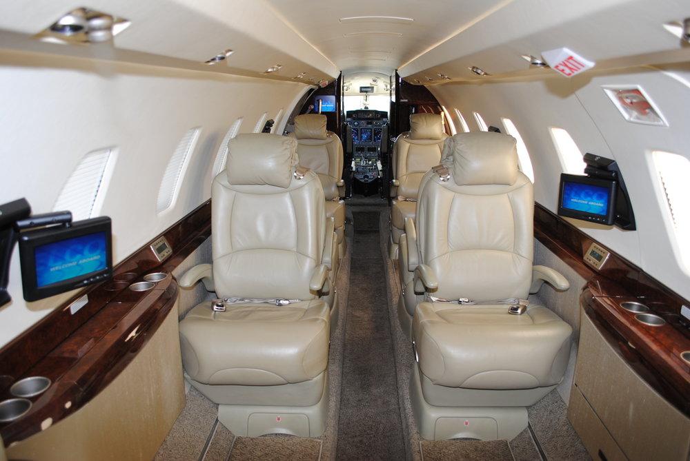 N770XJ Interior 2.JPG