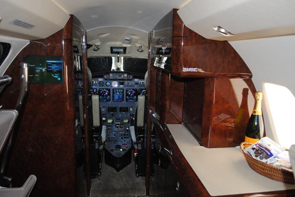 N770XJ Interior .JPG