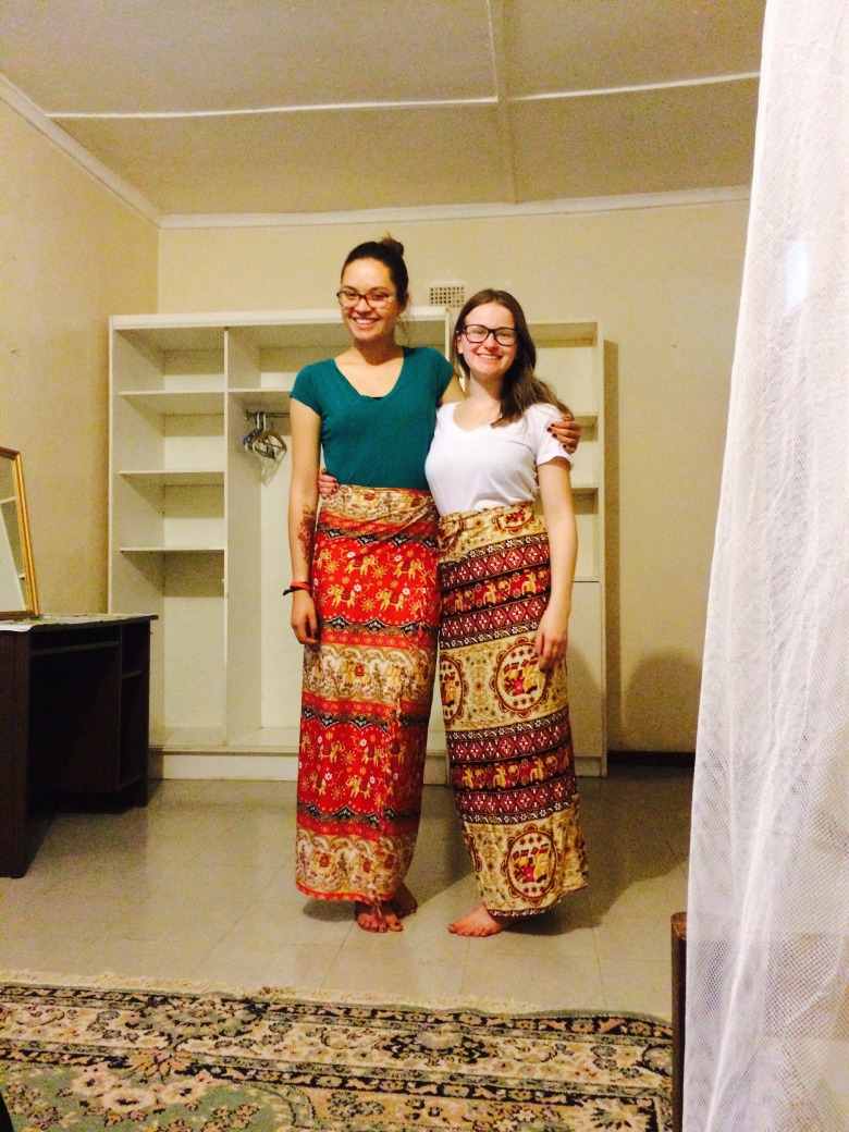 Siâna & Anna wearing traditional chitenges!