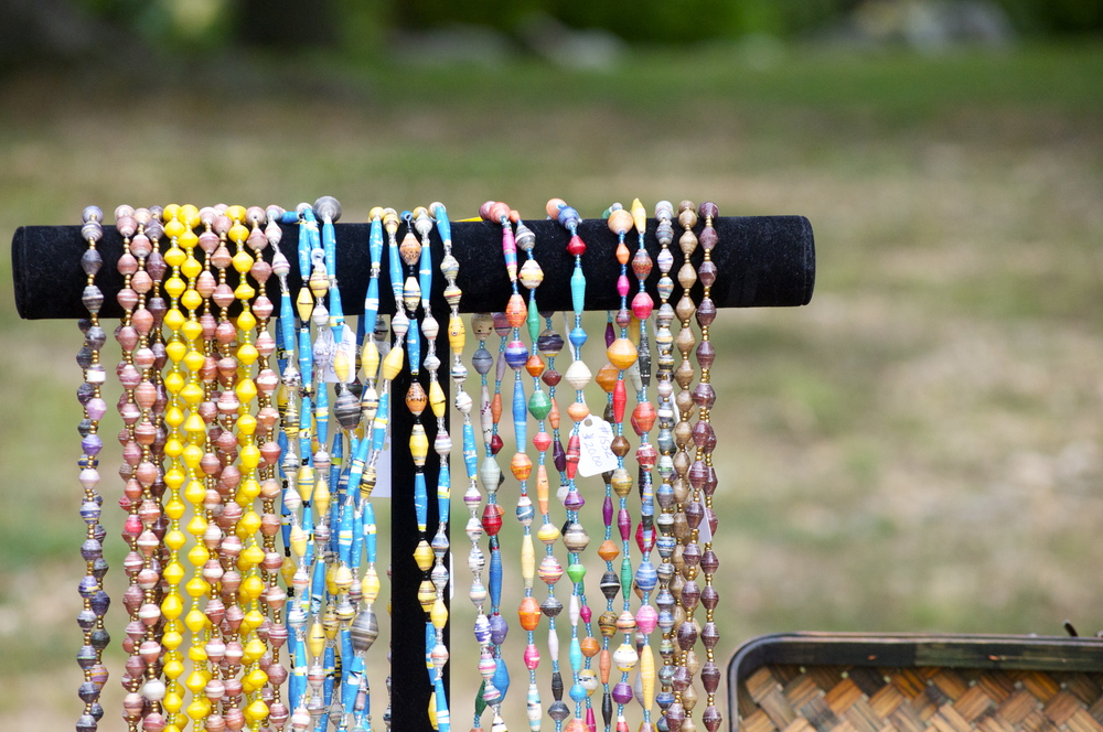Gulu Beads - Beautifully handcrafted paper jewelry made by the mothers of Wipolo
