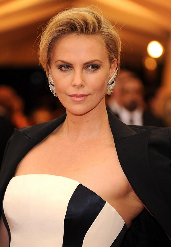Charlize Theron was all black and white, and those cuff earrings were a killer.