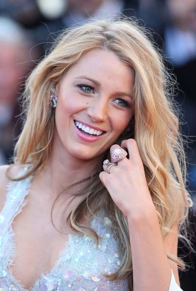 With a smile like that, Blake shines on the red carpet.