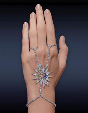 Celeste Hand Bracelet 91431516