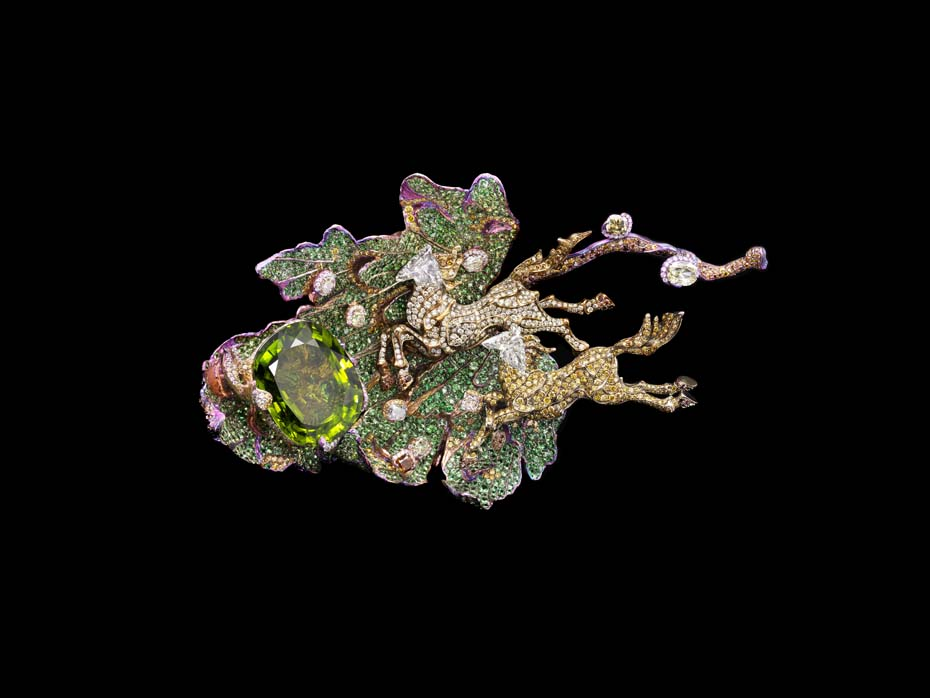 Wallace Chan Fleur de la Dynastie Tang brooch with rubies, yellow diamonds, pink sapphires, tsavorites, garnets, emeralds and diamonds.