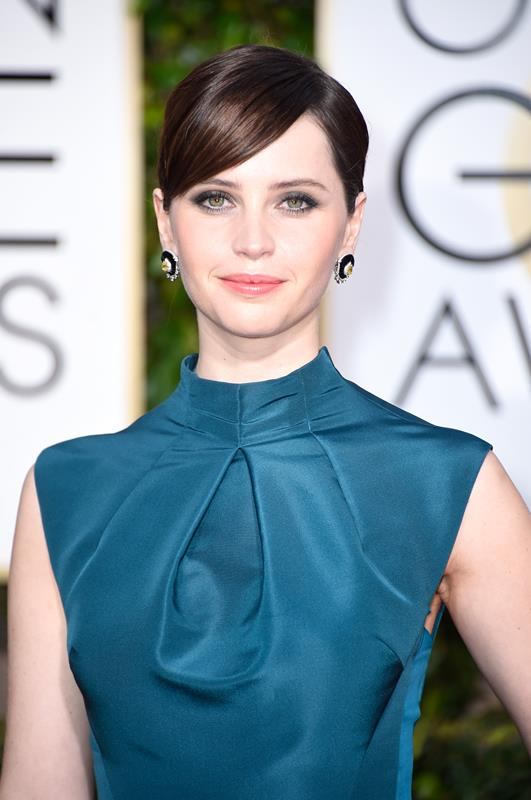 Felicity-Jones-Golden-Globes-Jewelry-Diamonds-Chicago-Geneva-Seal-3.jpg