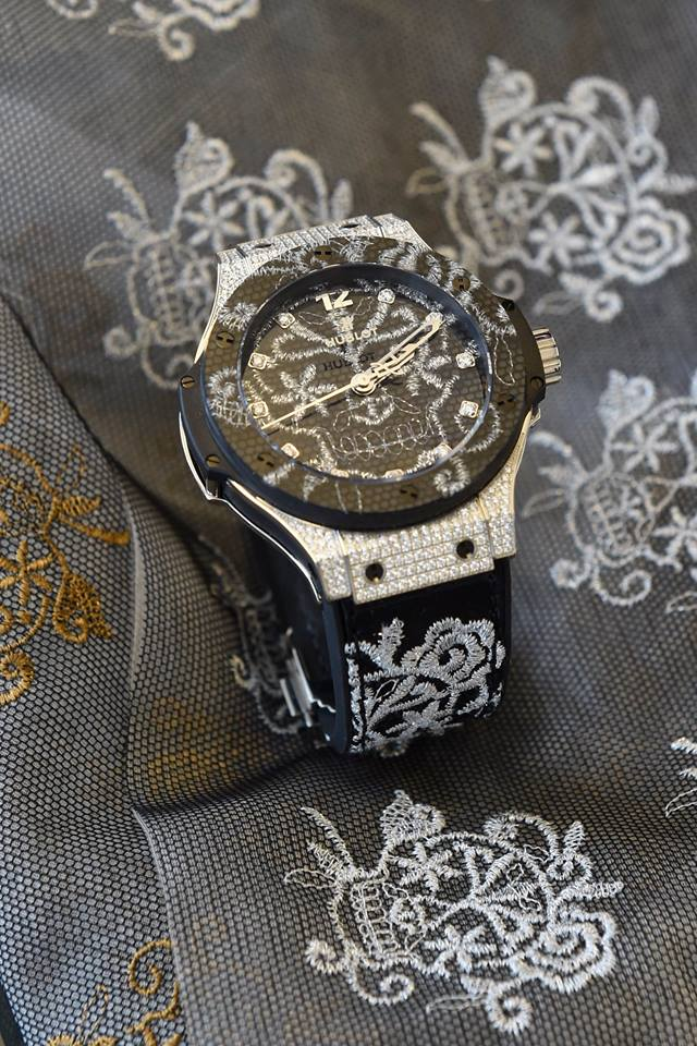 hublot-watches-watch-big-bang-chicago-geneva-seal-4.jpg