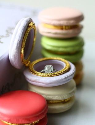 engagement-rings-chicago-geneva-seal