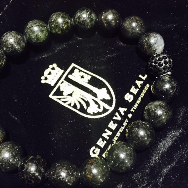 bracelet-rachel-lynn-chicago-3.jpg