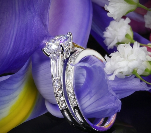 18k White Gold Simon G MR2220 Duchess Diamond Wedding Set