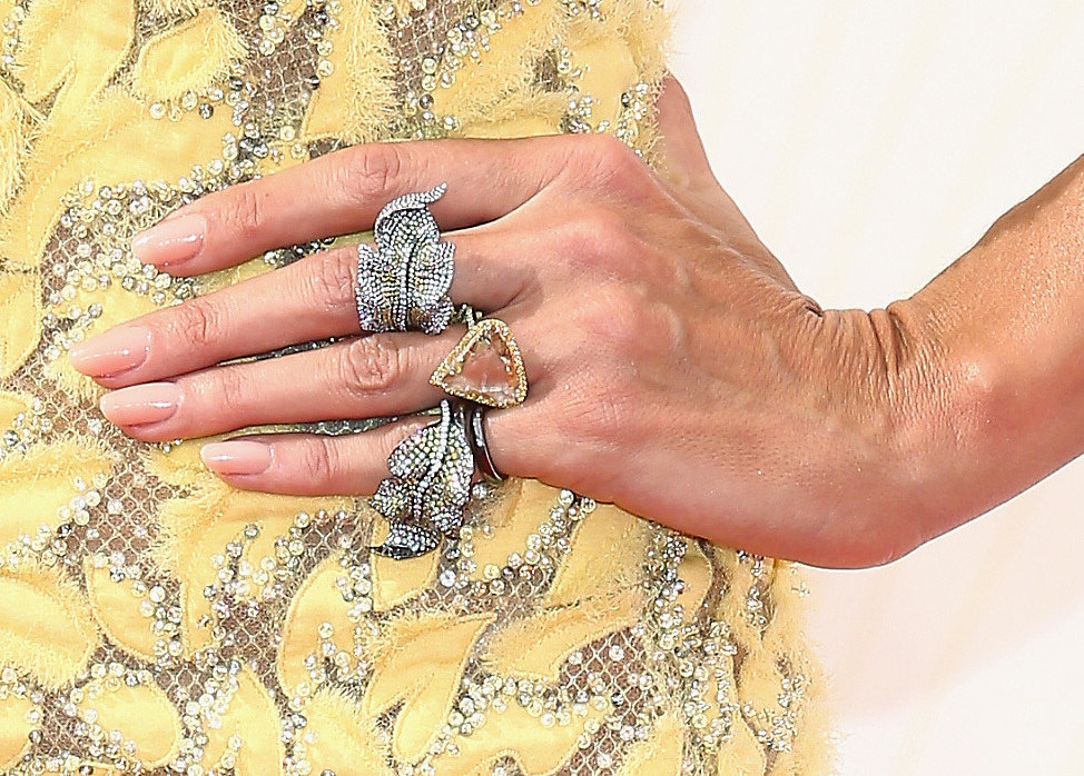 Heidi Klum wearing Lorraine Schwartz jewels.