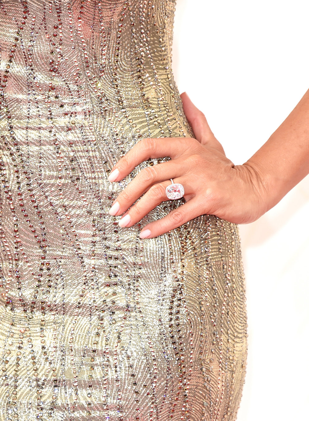 Sofia Vergara wearing her stunning engagement ring.