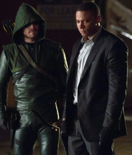 Green_Arrow_Stephen_Amell_and_John_Diggle_David_Ramsey.jpg