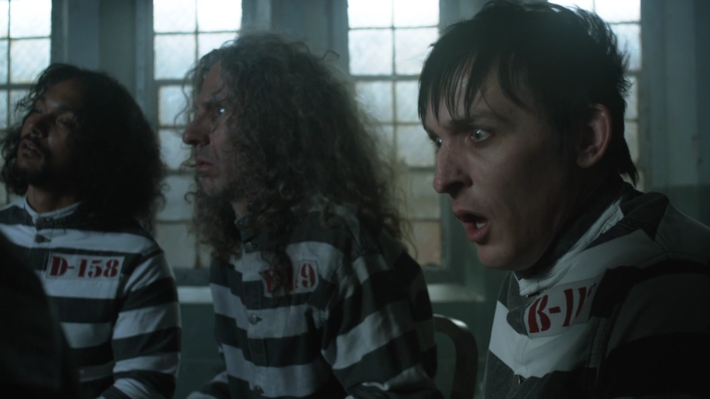 Gotham S2 Ep. 13 Review A Dead Man Feels No Cold Gordon Harvey The Peinguin 2.PNG