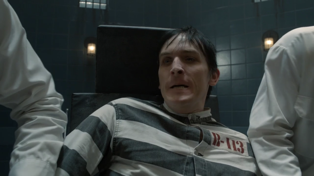 Gotham S2 Ep. 13 Review A Dead Man Feels No Cold Gordon Harvey Oswald Cobblepot The Peinguin 1.PNG