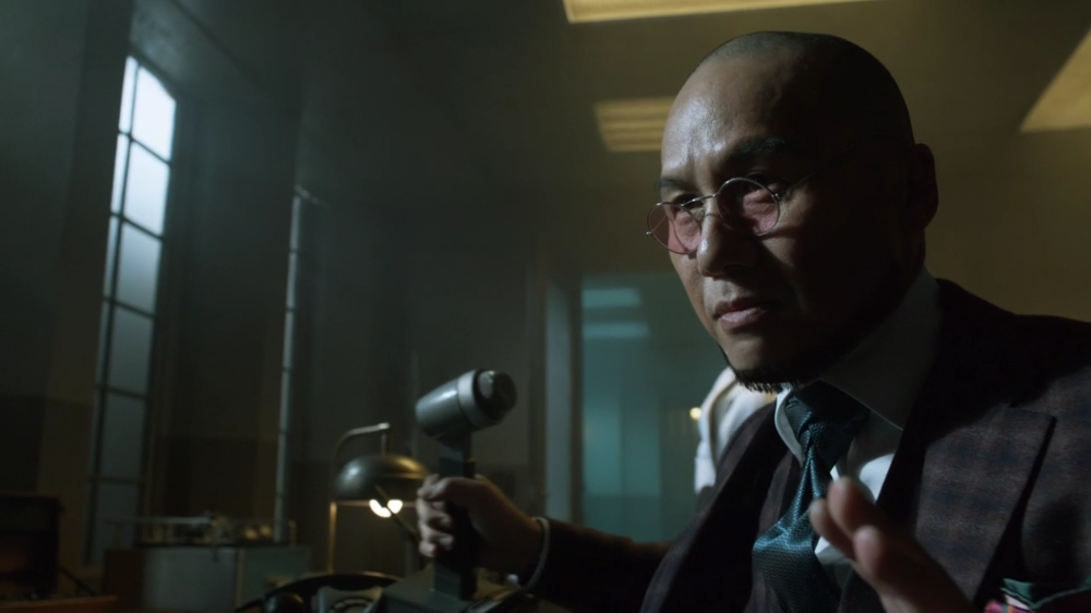 Gotham S2 Ep. 13 Review A Dead Man Feels No Cold Gordon Harvey Mr Freeze Hugo Strange 1'.PNG