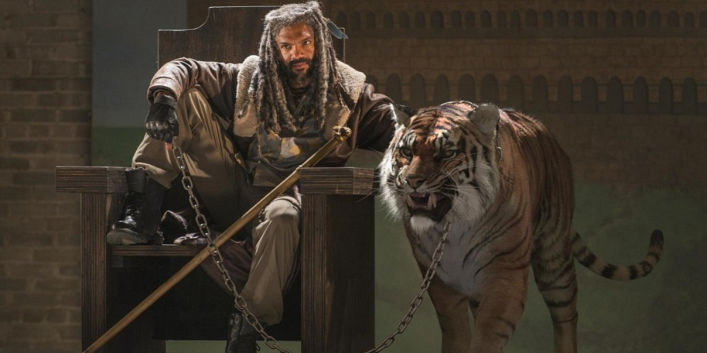 Khary-Payton-as-Ezekiel-with-his-tiger-Shiva-on-The-Walking-Dead