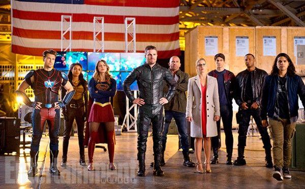arrow-flash-supergirl-legends-crossover-images-ew-9-600x373.jpg