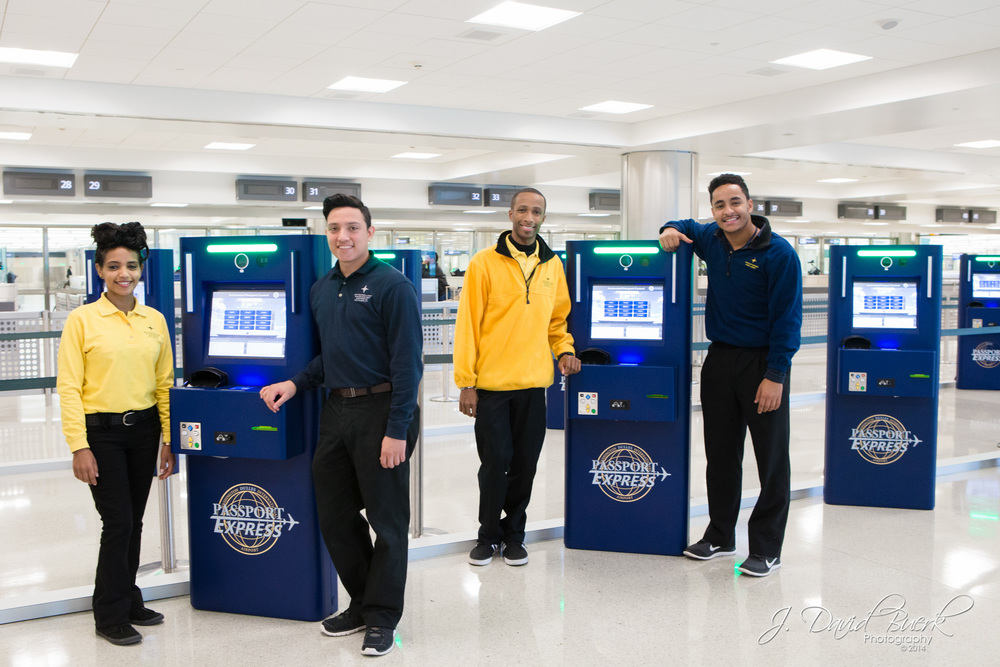 Dulles' Student Ambassadors with the new Automated Passport Control (APC) at Washington Dulles International Airport (IAD)'s International Arivals Building (IAB).