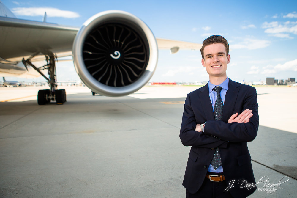 Portrait of Ryan Ewing, owner and founder of  AirlineGeeks.com .