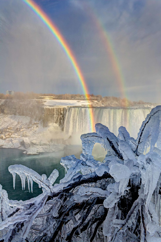 Niagara Ice Rainbow-1.JPG