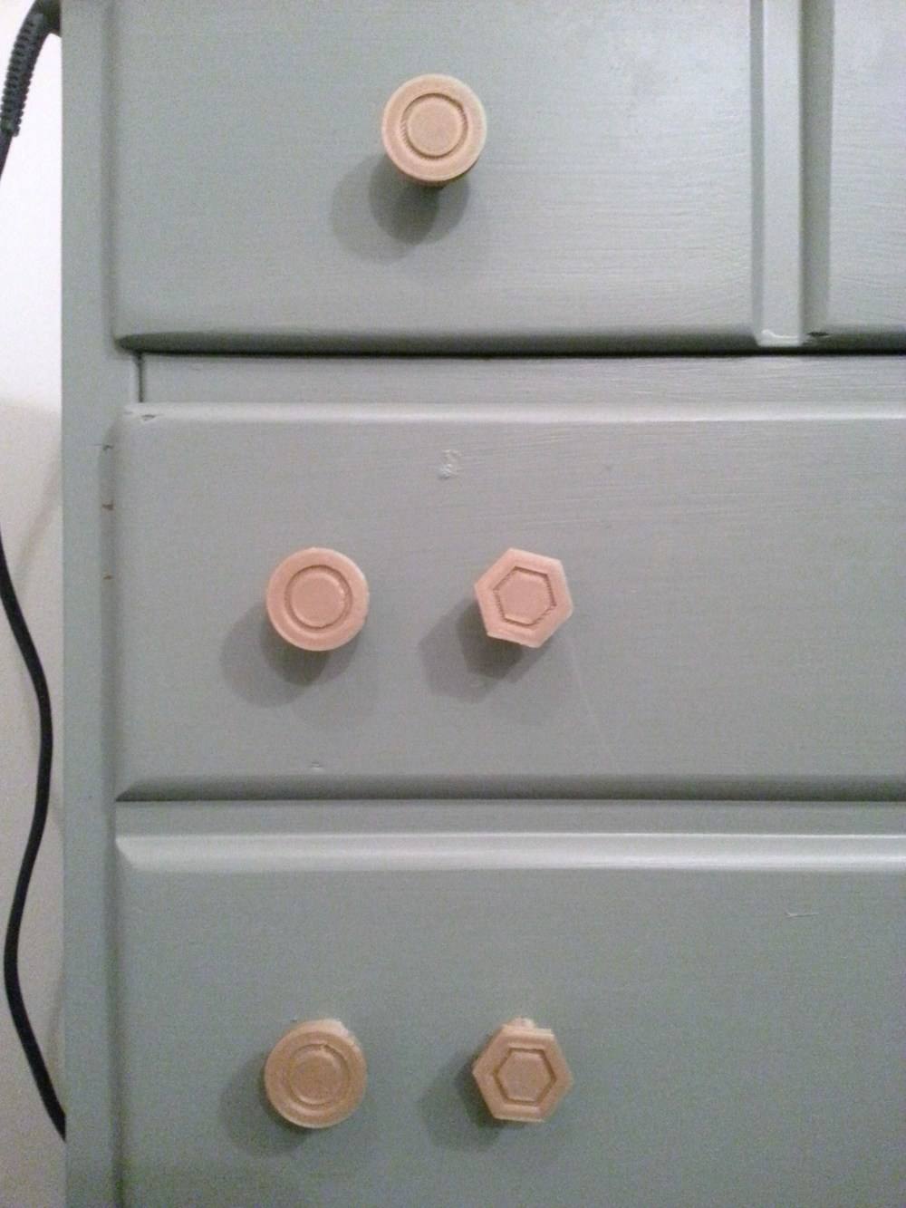 Round & Hexagonal Face Knobs