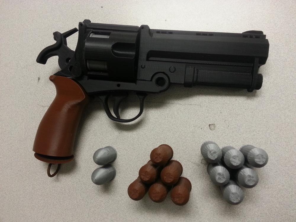 replica revolver2