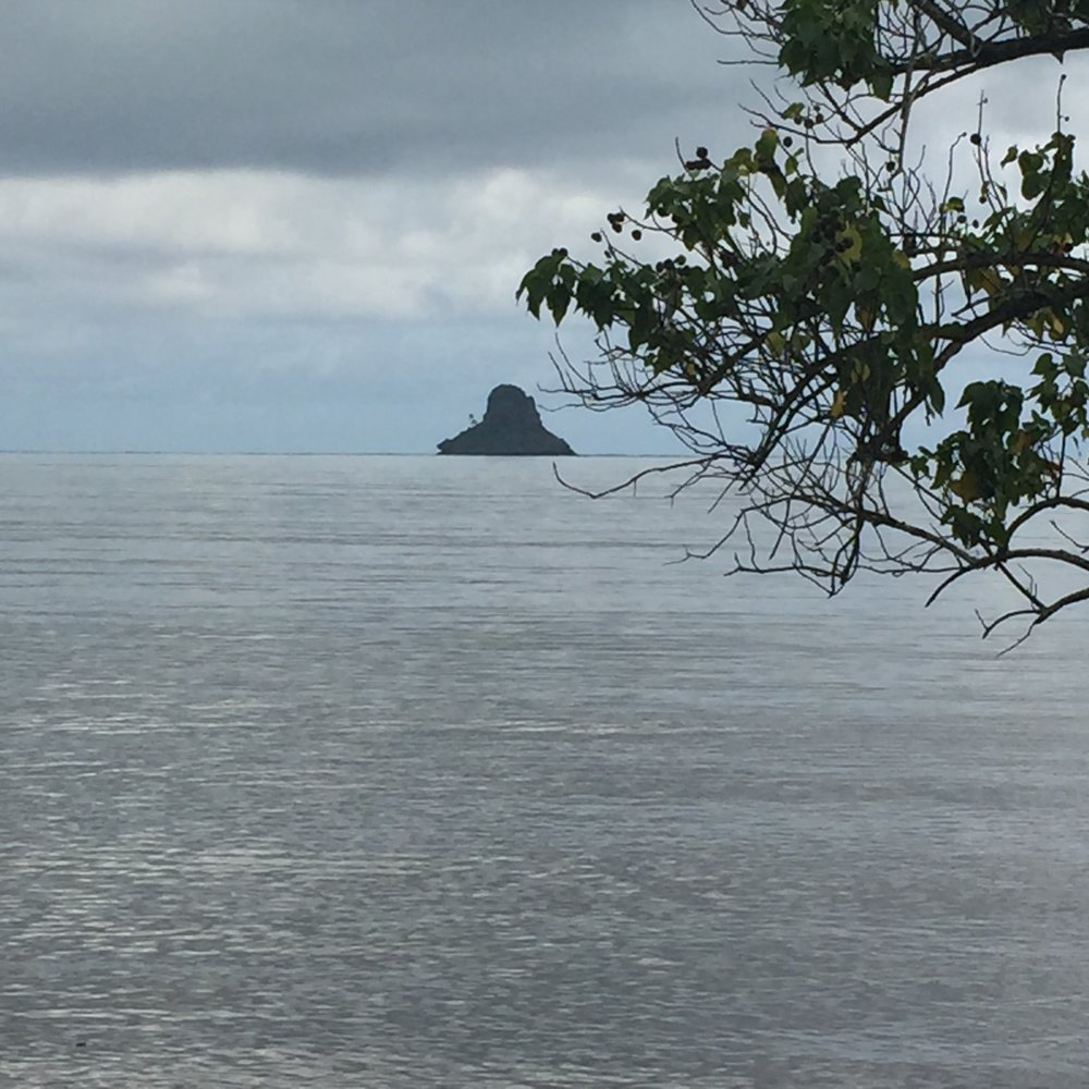 Mokoli'i island also known as Chinaman's Hat